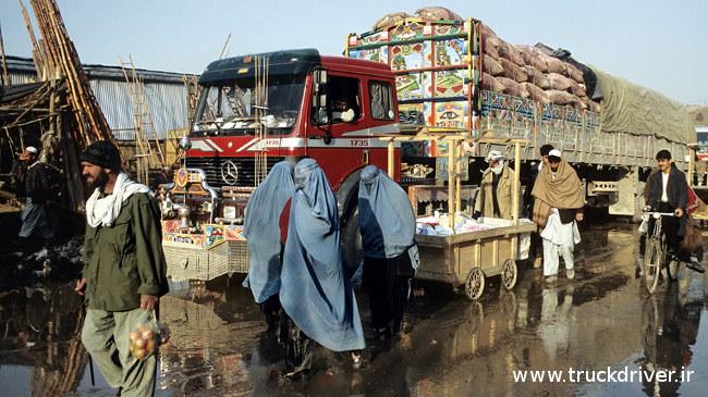 کشنده بنز بی دماغ 1735 در افغانستان